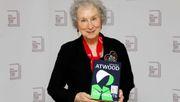 Margaret Atwood und Bernardine Evaristo gewinnen den Booker-Preis