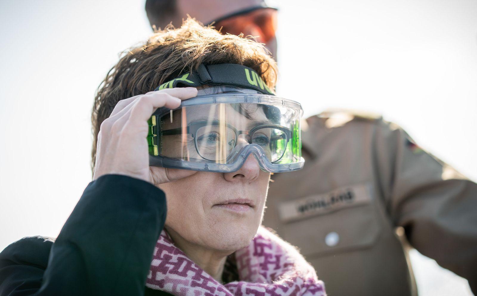 Verteidigungsministerin Kramp-Karrenbauer in Zypern