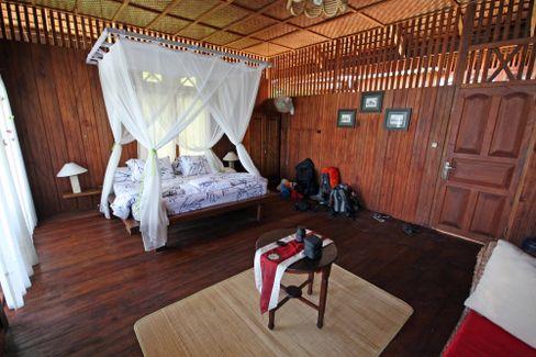 """""""Sunset""""-Zimmer auf Kadidiri Island: Zwei Reisetage vom nächsten Flughafen entfernt"""