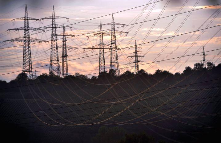 Hochspannungsleitungen: Neue Kraft im Energiesektor