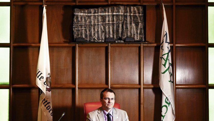 Bürgermeister Berthold in Thetford Mines, Québec: Asbestfasern als Wandschmuck