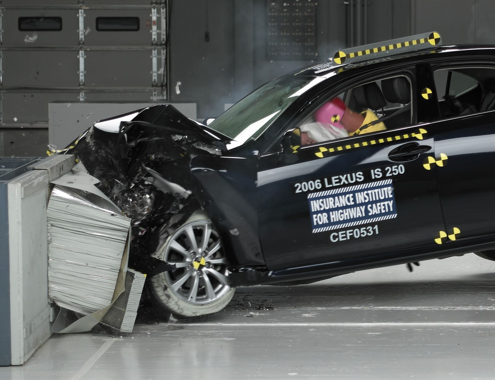 Crash Test / Lexus