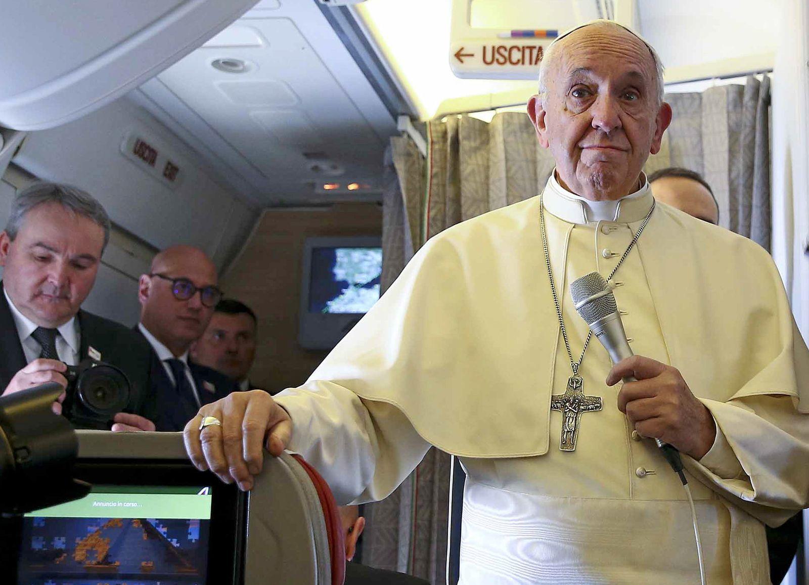Papst Franziskus beginnt Reise nach Chile und Peru
