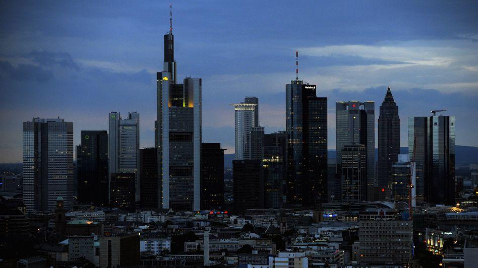 """Banken-Skyline in Frankfurt: """"Notleidende Banken"""" war das Unwort des Jahres 2008."""