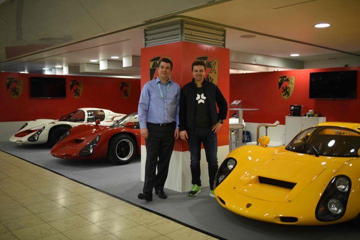 Evex-Verkaufsleiter Ralf Diefenthal (links) und Markus Kreisel auf der Techno Classica