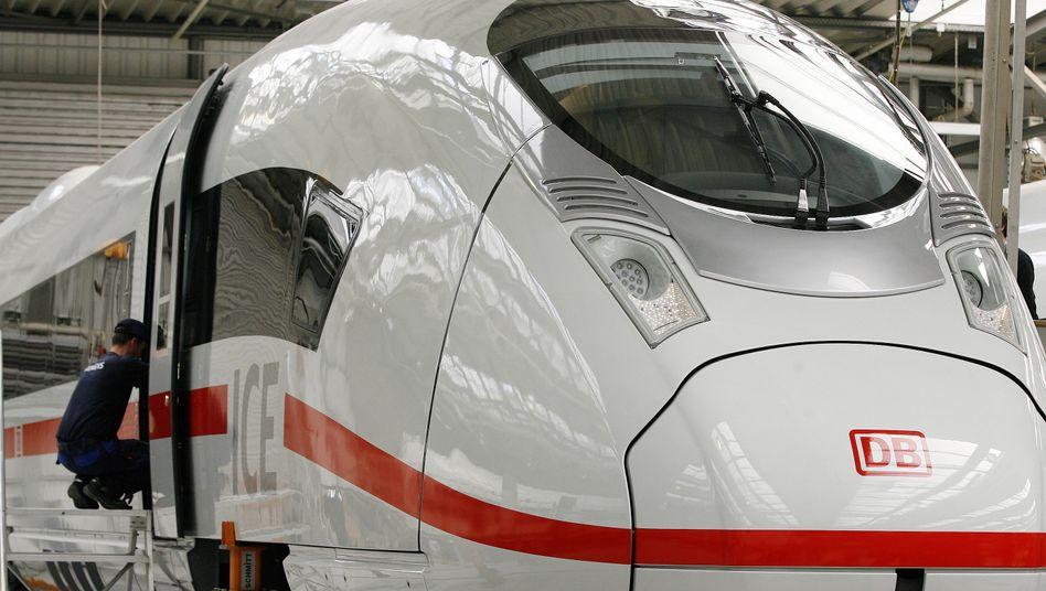 Montage eines ICE 3 bei Siemens: Auslieferung von 16 Zügen