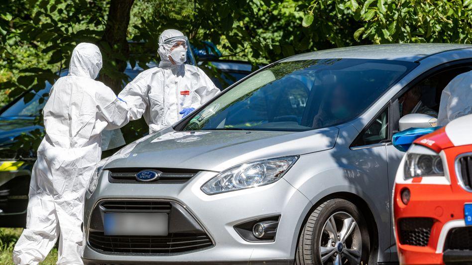 Corona-Teststation in Mamming, Bayern: 174 Erntehelfer haben sich auf einem örtlichen Gemüsehof infiziert
