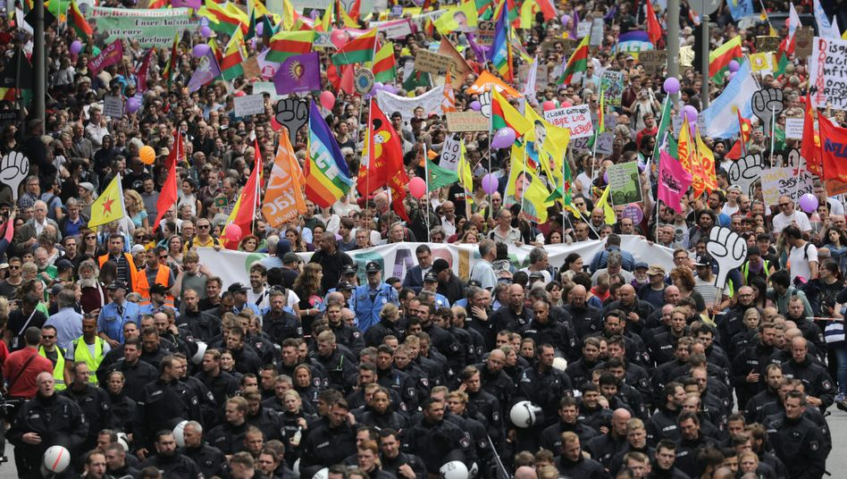 Demonstrators on Saturday marching through the streets of Hamburg.