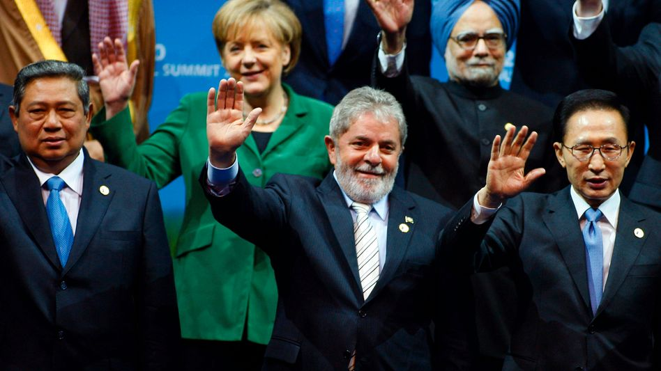 German Chancellor Angela Merkel and other world leaders at the G-20 summit in Seoul.