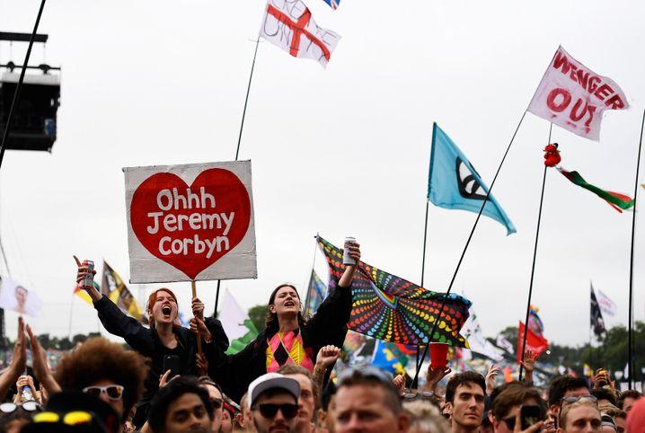 Corbyn-Anhänger beim Festival von Glastonbury
