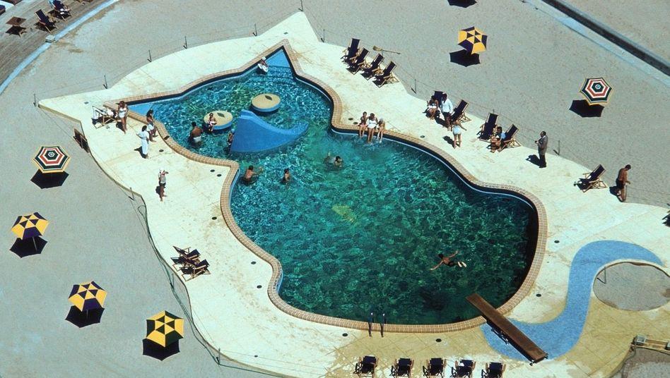 Pool im Hotel Fontainebleau Miami um 1955