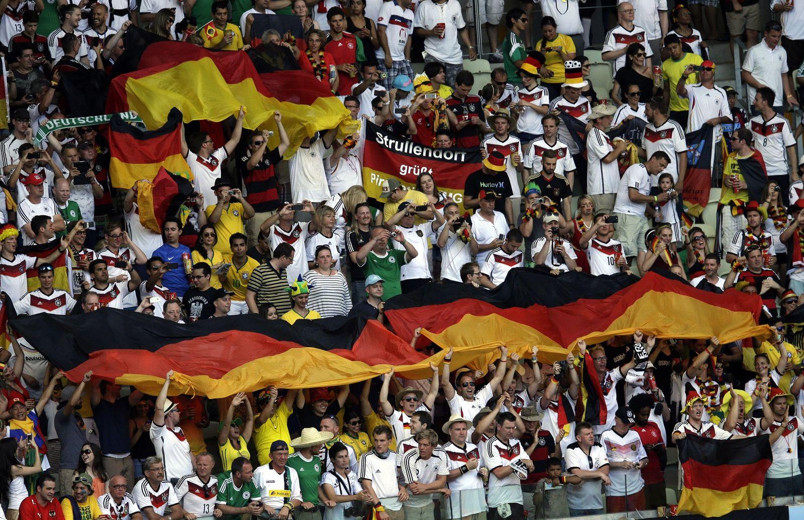 Deutschland vs Ghana/ Fans