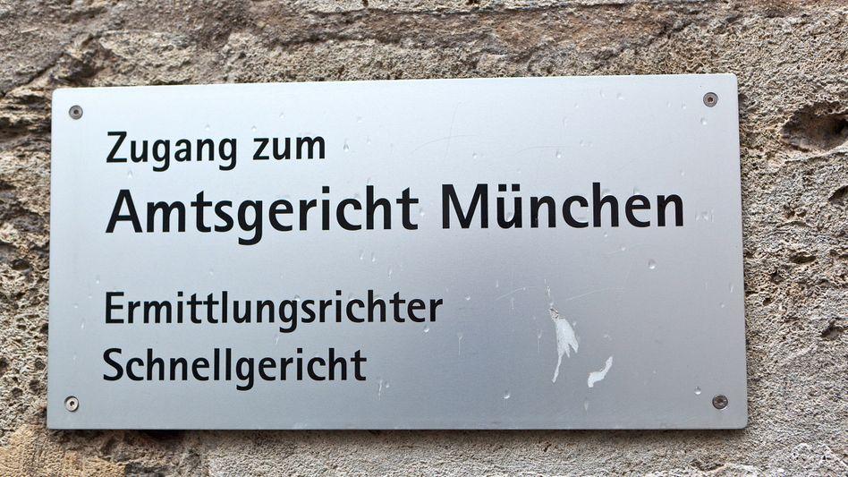 Amtsgericht München: Notar hat zwei Testamente übersandt