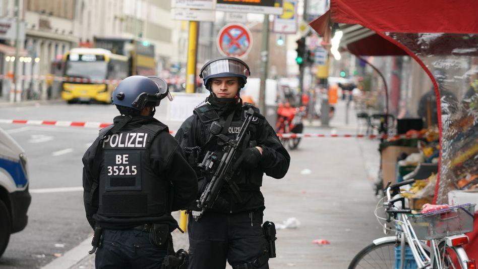 Polizeieinsatz am Checkpoint Charlie