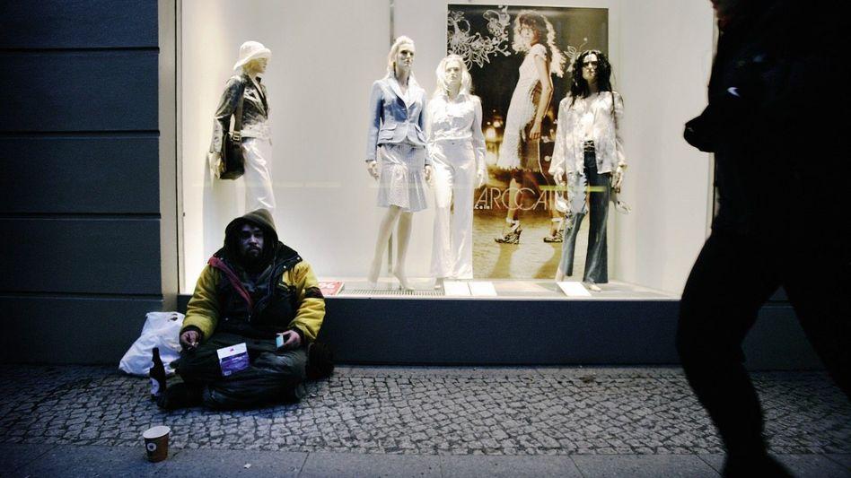 Obdachloser in Berlin »Wachstum beseitigt die Armut nicht«