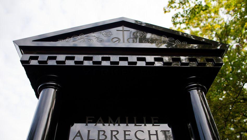 Grab der Familie Albrecht in Essen: Bewunderung für die Lebensleistung