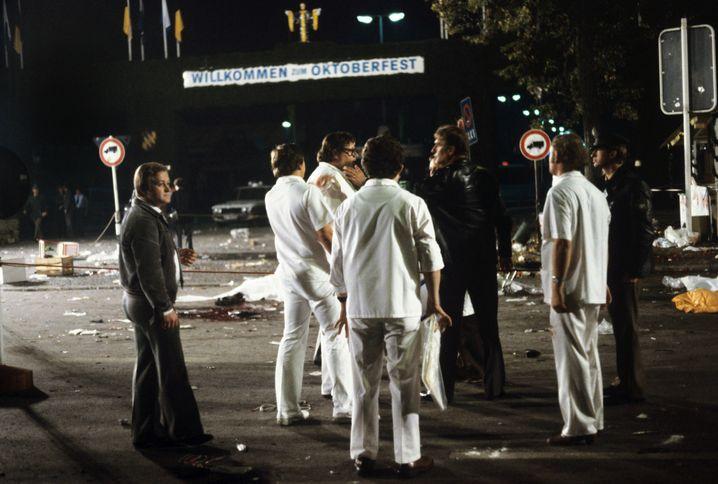 Spurensicherung nach dem Bombenanschlag auf das Oktoberfest