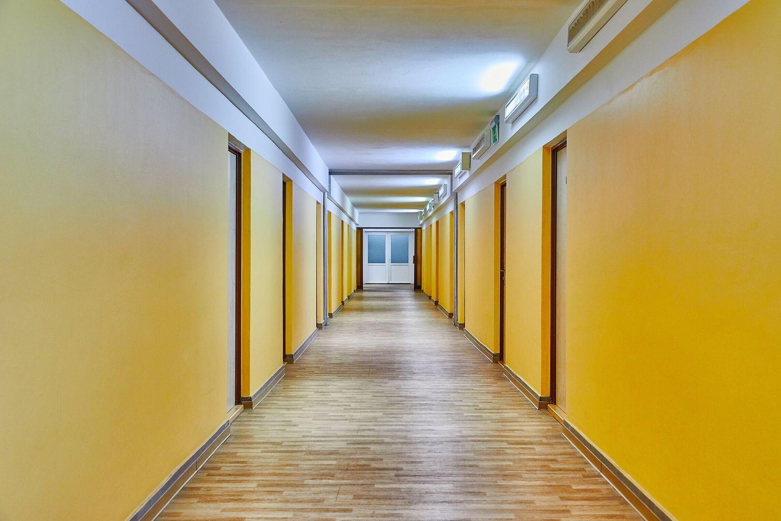Plain corridor of a dormitory building (Gudella)