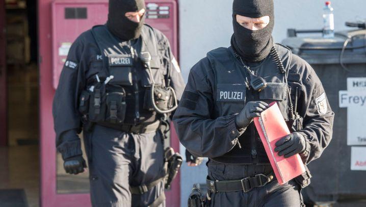 Bundespolizei-Razzien: Hunderte Beamte, Dutzende Festnahmen