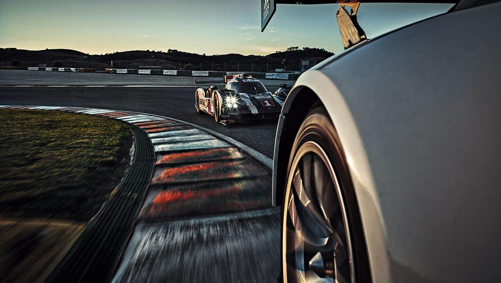 Bildband über 24-Stunden-Rennen: Hinter den Kulissen des Porsche-Teams