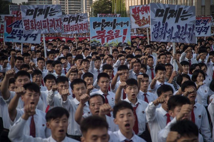 Anti-American protesters in Pyongyang: Even the latest UN sanctions against North Korea are unlikely to deter Kim from continuing with his nuclear program.