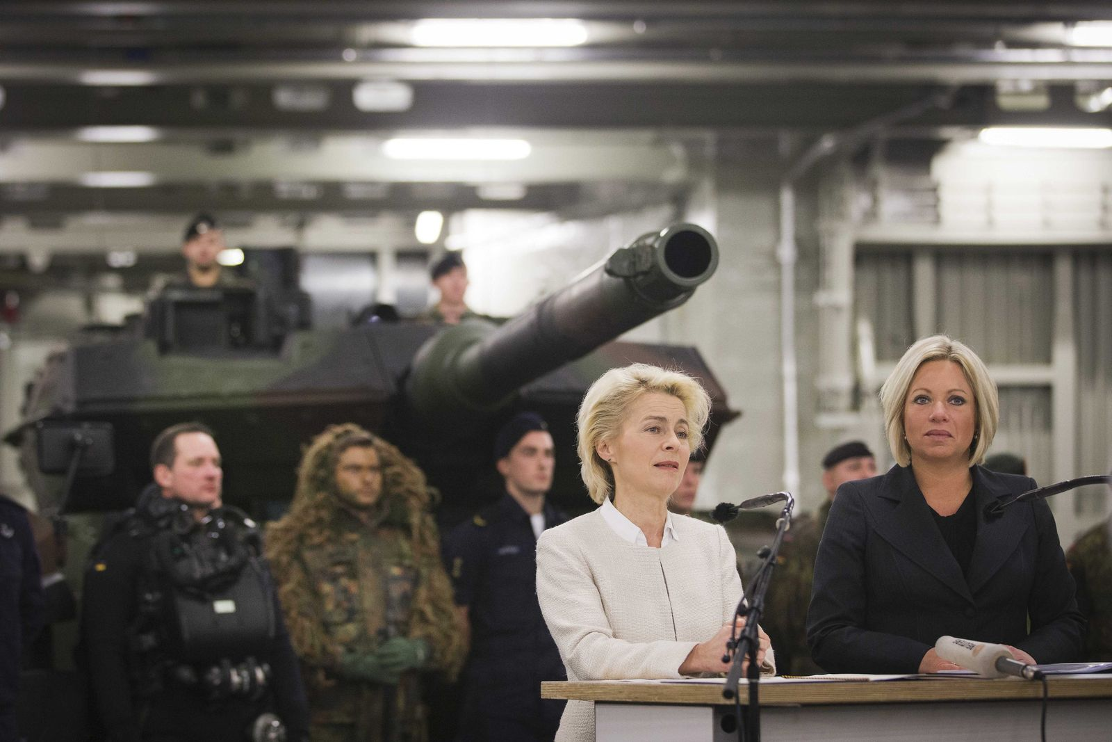 Dutch and German Defence Ministers sign agreement