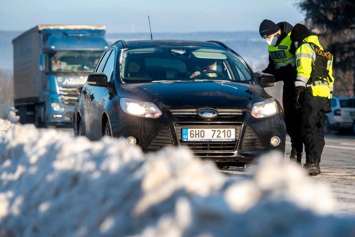 Auch innerhalb Tschechiens kontrolliert die Polizei Autofahrer zwischen den Bezirken