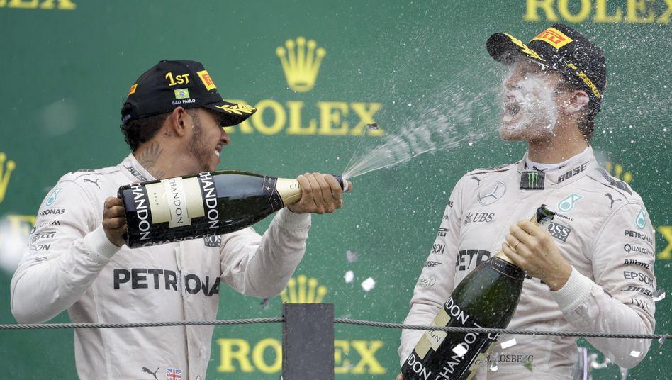Nico Rosberg (r.) und Lewis Hamilton