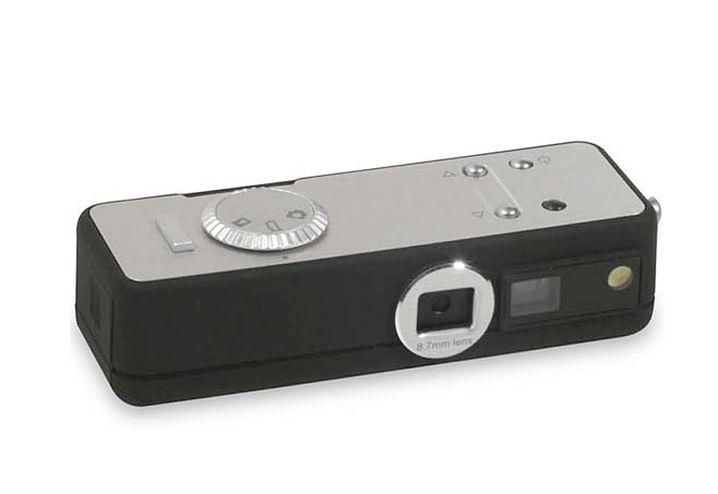 Cold War Camera: Gibt sich alle Mühe, wie eine klassische Spionage-Kamera zu wirken