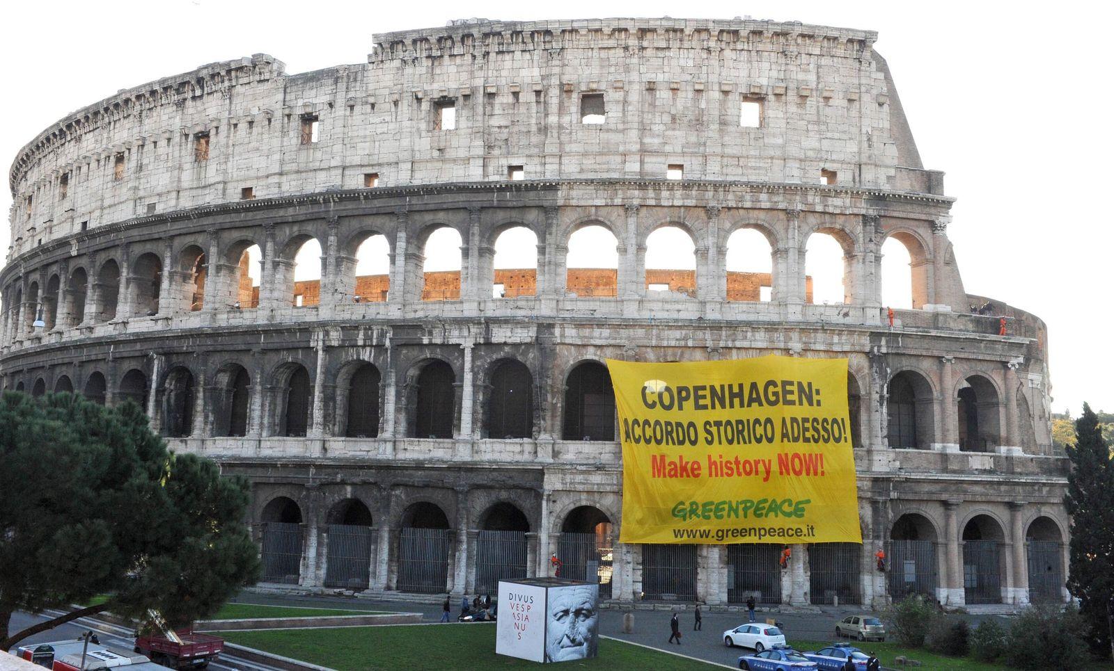 Greenpeace demonstriert in Rom zumWeltklimagipfel