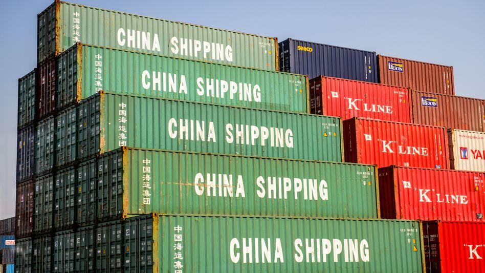 Hafen in Shanghai: Bedrohung durch Covid-19 nach wie vor groß