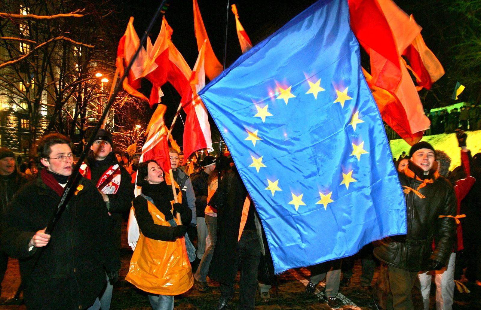Ukraine / Orangene Revolution / Europäische Flagge
