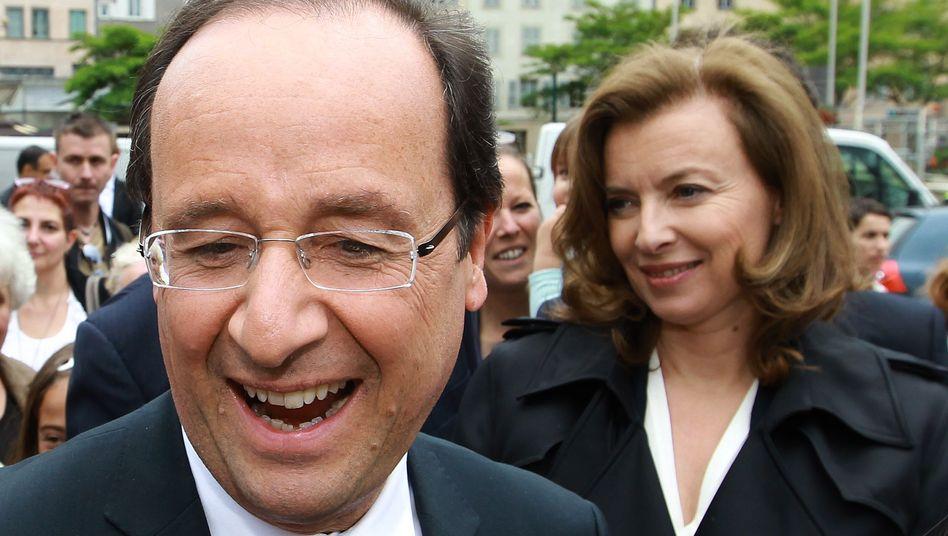 Präsident Hollande, Lebensgefährtin Trierweiler: Durcheinander in der Politik-Choreografie