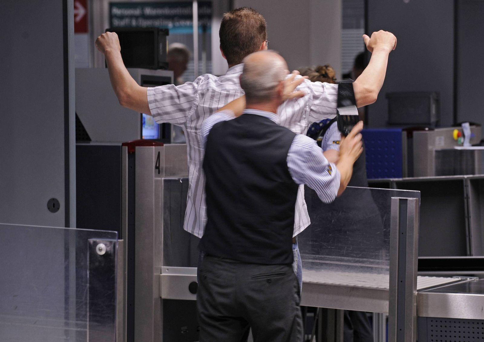 NICHT VERWENDEN Flughafen, Sicherheitskontrollen