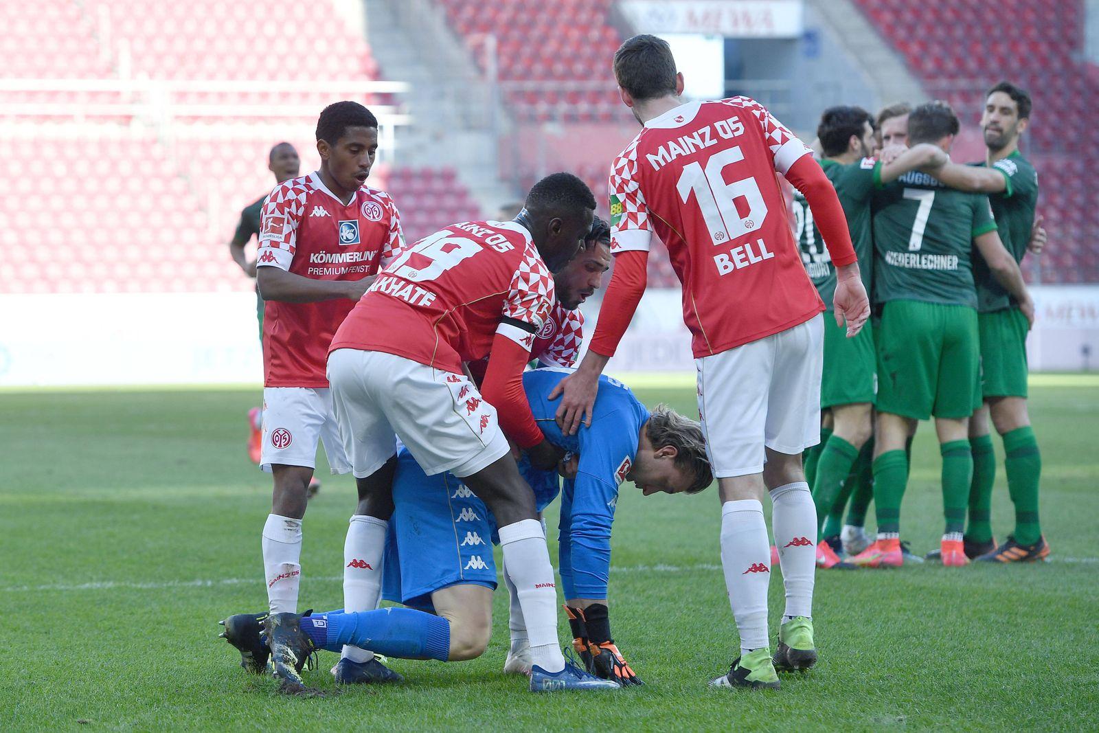 Fußball 1. Bundesliga 23. Spieltag 1. FSV Mainz 05 - FC Augsburg am 28.02.2021 in der Opel Arena in Mainz Mainzer Spiel