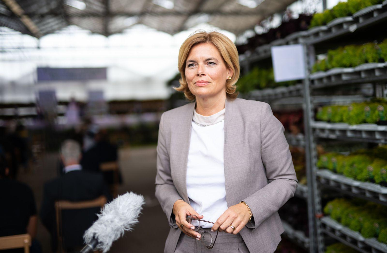 Bundesministerin Klöckner besucht Gartenbaubetrieb