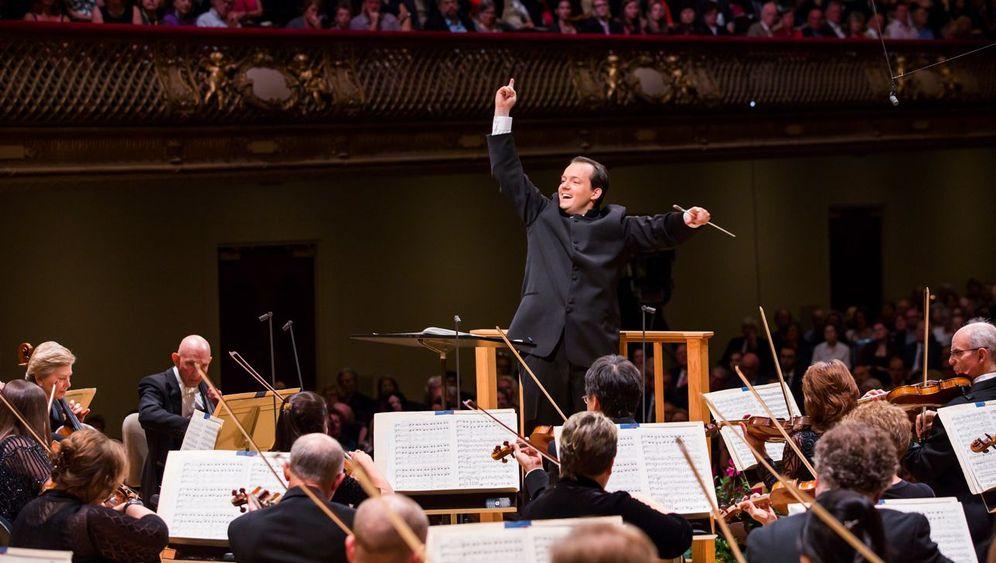 Topdirigent Nelsons: Schostakowitsch in Perfektion
