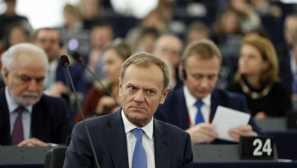 EU-Ratspräsident Donald Tusk im Europaparlament