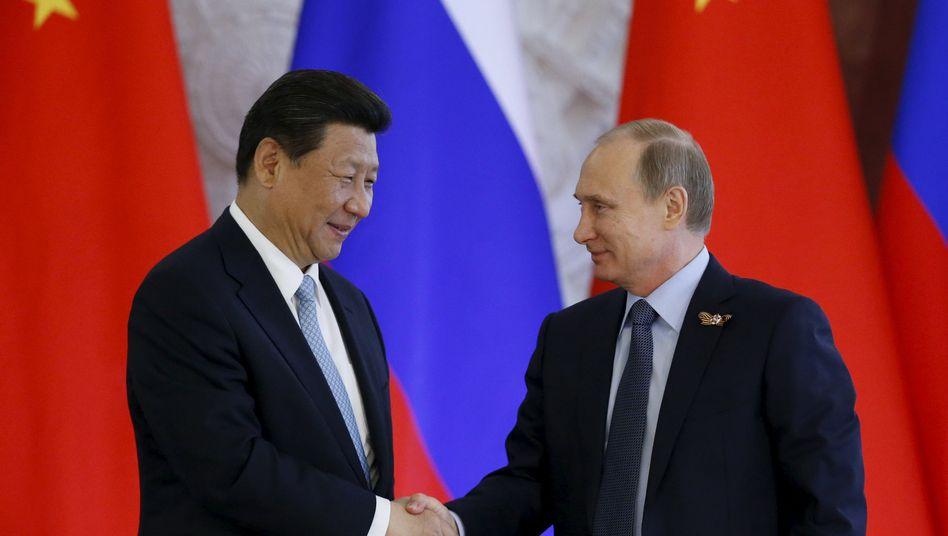 Staatschefs Xi, Putin in Moskau: zentrale strategische Partner