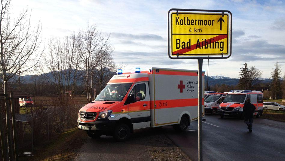 Bei Bad Aibling: Vier Tote und hundert Verletzte bei Zugunglück in Oberbayern