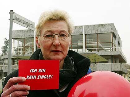Kanzler-Schwester Ilse Brücke: Verlust von 805 Euro im Jahr