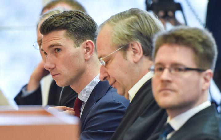 NPD-Chef Frank Franz (l.) mit den Anwälten Michael Andrejewski und Peter Richter