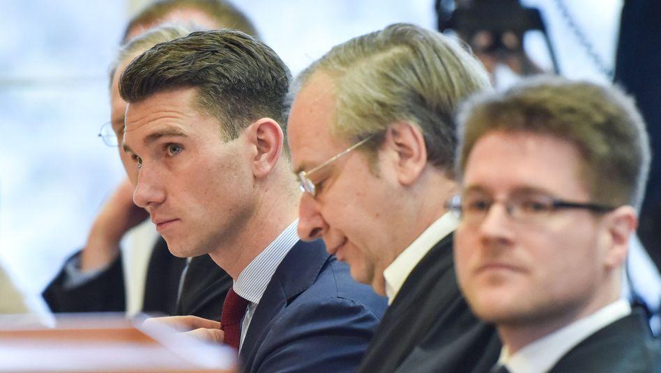 NPD-Parteivorsitzender Franz, NPD-Anwälte Andrejewski und Richter