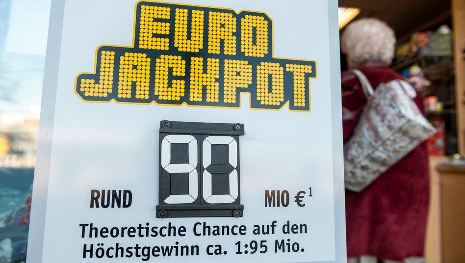 Ein Gewinn von 90 Millionen Euro geht nach Deutschland - doch der Gewinner ist noch unbekannt