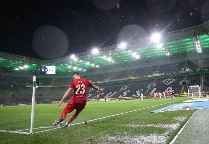 Borussia Mönchengladbach gegen 1. FC Köln - schon am 11. März fand das Spiel ohne Zuschauer statt.