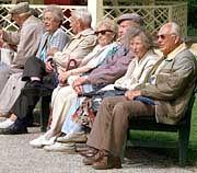Senioren wollen keineswegs nur auf der Parkbank verweilen. Sie verreisen immer öfter