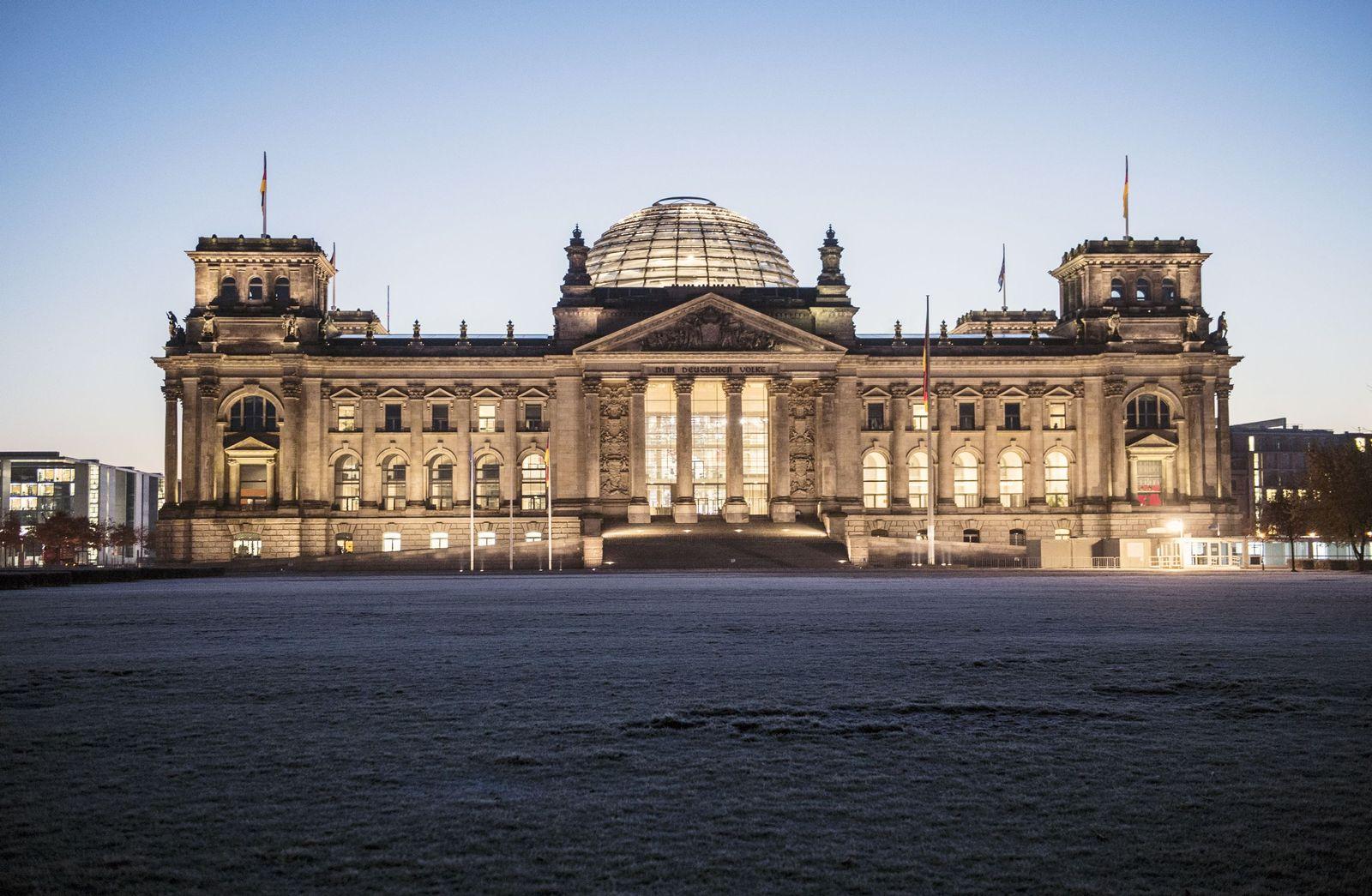 Reichstag im Licht