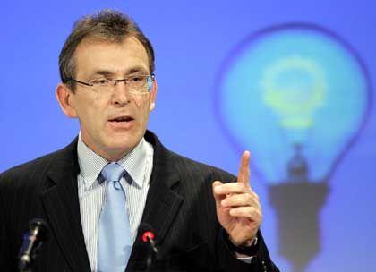 """Energiekommissar Piebalgs: """"Ich zahle 170 Euro für Strom, das finde ich nicht viel"""""""