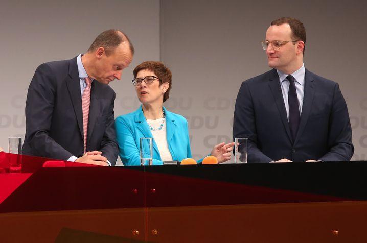 Wer wird Merkels Nachfolger? Merz, Kramp-Karrenbauer oder Spahn?