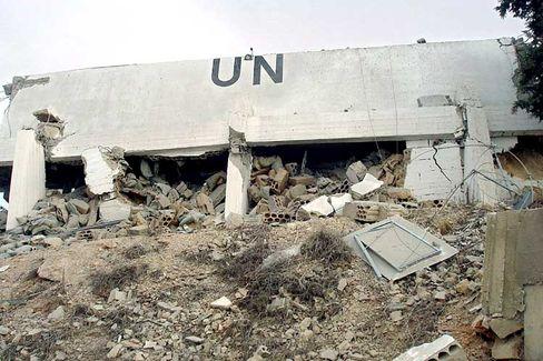 Zerstörtes UN-Gebäude im Libanon: Hilferufe per Handy